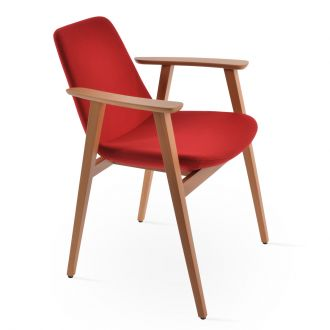 Red Camira Wool (CUZ13) on Natural Finish